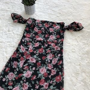 Forever 21 off shoulder flower dress size/small